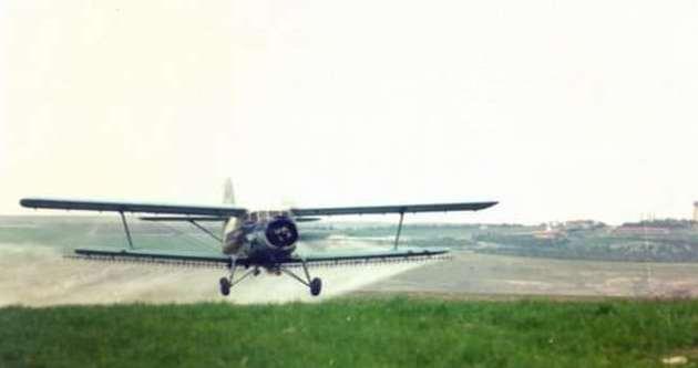 Balıkesir'de ilaçlama uçağı düştü