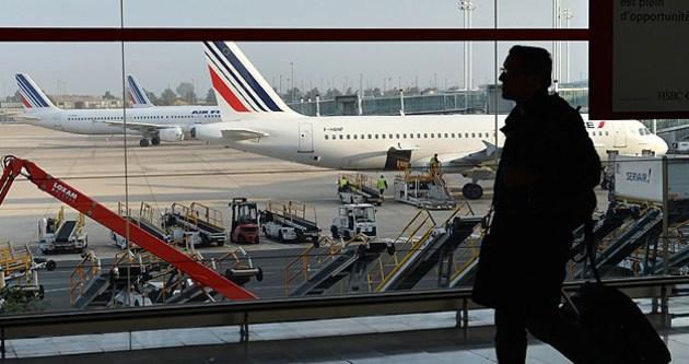 Paris havaalanında Ebola taraması başladı