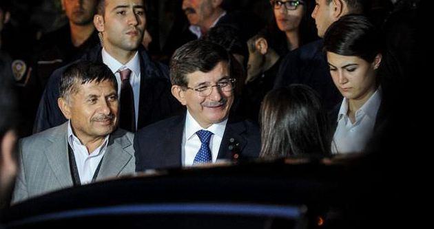 Davutoğlu'dan şehit ailesine ziyaret