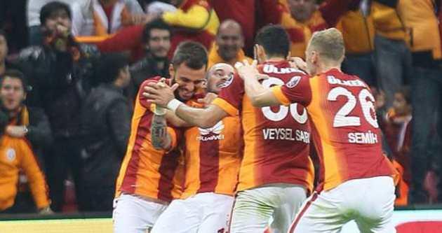 Arena'da Sneijder şov