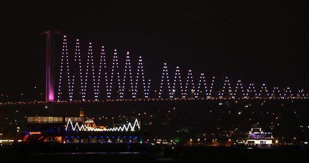 Boğaziçi ve FSM köprüleri pembeye büründü