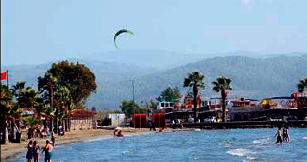 Muğla 26 derece turistler denizde