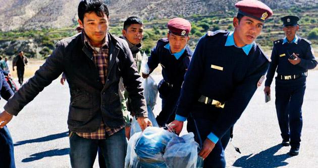 Himalayalar'da çığ katliamı