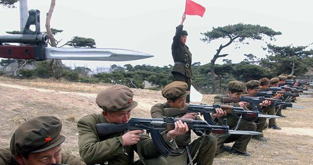 Kuzey ve Güney Kore arasında karşılıklı ateş açıldı