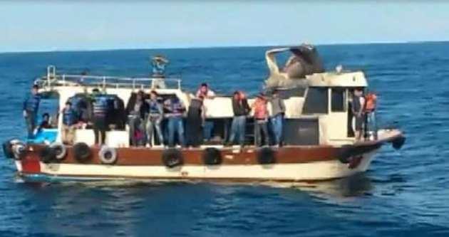 Ege Denizi'nde 51 kaçak göçmen kurtarıldı