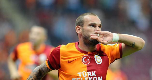 Sneijder'in bu şartlarda takımda kalması...