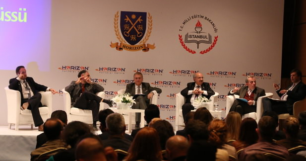 TÜRKİYE'NİN GÖZÜ 250 MİLYAR DOLARLIK ÖĞRENCİ PAZARINDA...