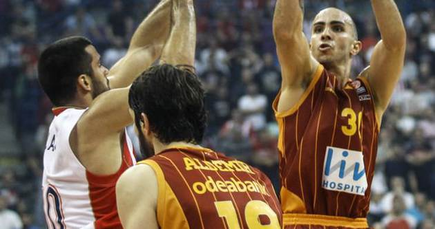 Galatasaray'da 6 oyuncu serbest kalıyor