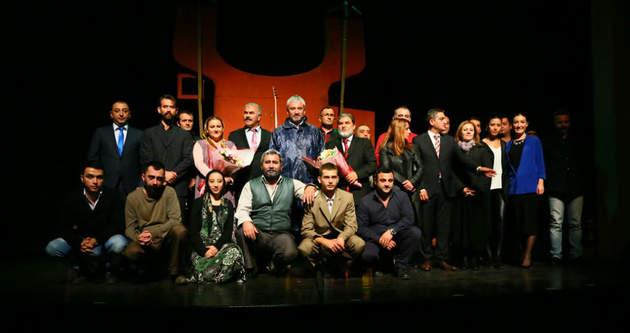 Ordu Büyükşehir Belediye Başkanı Yılmaz tiyatroda rol aldı