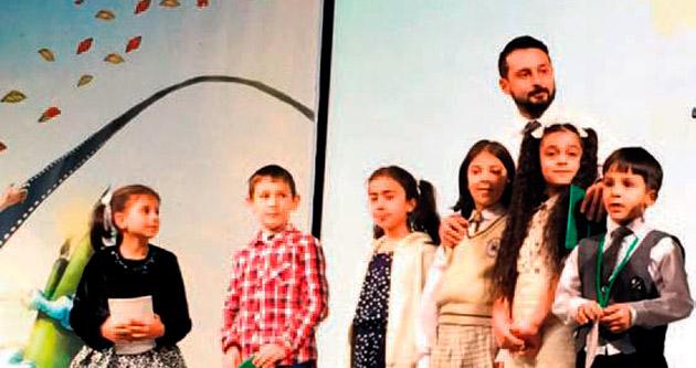 Erzurum'da çocuklarla buluştu