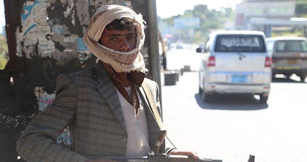 Husiler Yemen'de karşı devrim yapmaya çalışıyor