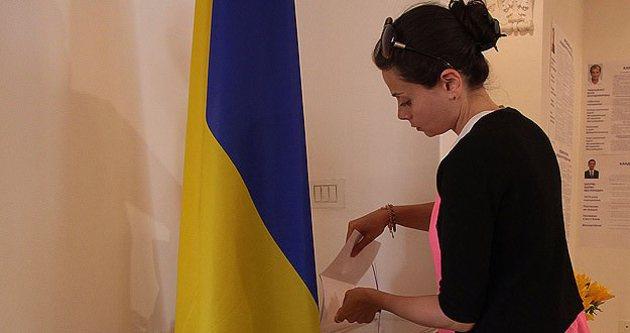 Ukrayna'da halk yarın sandık başına gidiyor