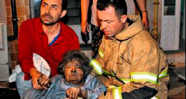 Yaşlı vatandaşlar son anda kurtarıldı