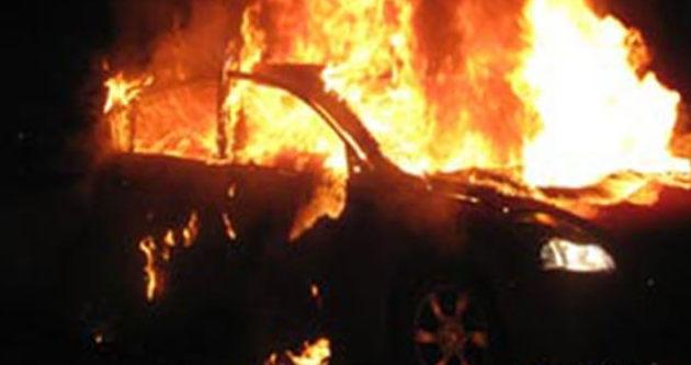 Teröristler araç yaktı