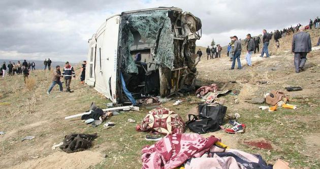 Afyonkarahisar'daki kazada ölenlerin sayısı 9'a yükseldi