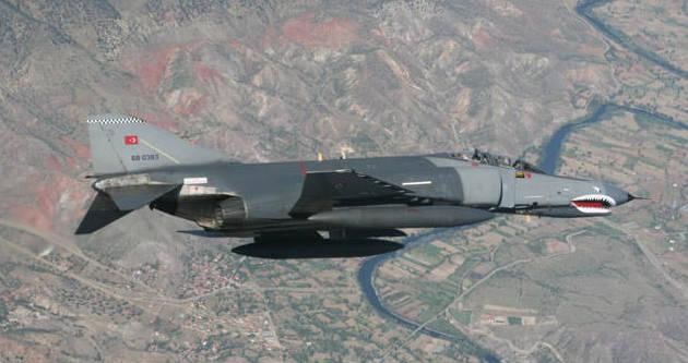Savaş uçakları Irak'ın kuzeyine uçtu