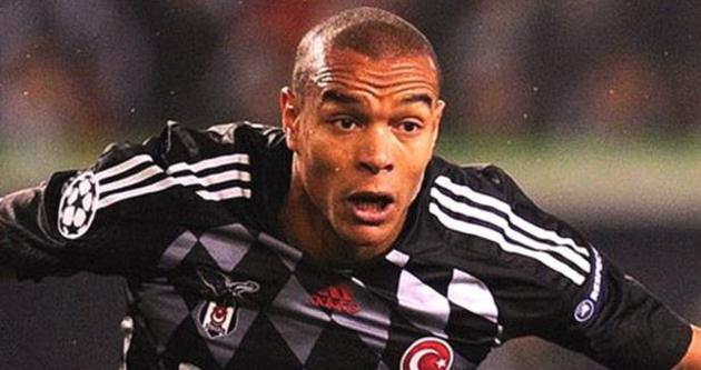 2011'de ayrıldığı Beşiktaş'tan ayda 300 bin euro alıyor
