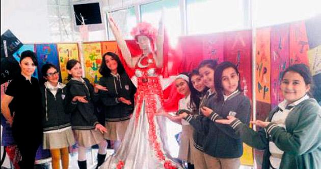 Jale Tezerliler kostüm tasarladı