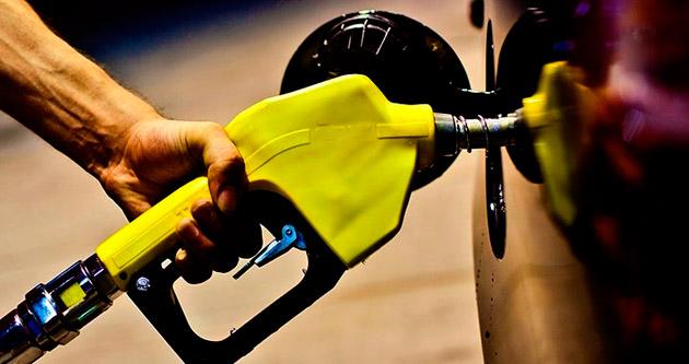 Petrol hazirana göre % 25 düştü