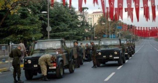 29 Ekim nedeniyle caddeler trafiğe kapatıldı