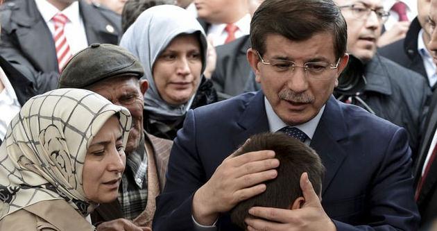 Davutoğlu maden sahasında konuştu