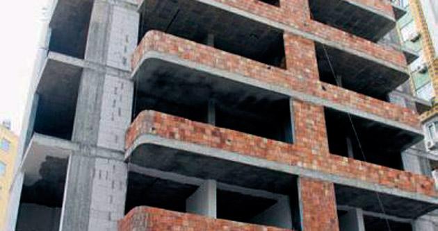 Duvar ustası 6'ncı kattan düşerek öldü