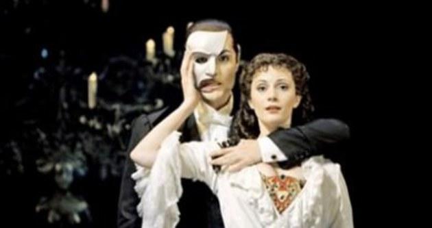 Operadaki Hayalet dizi oluyor