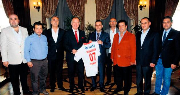 Antalyaspor yönetimi Vali Türker'i ziyaret etti