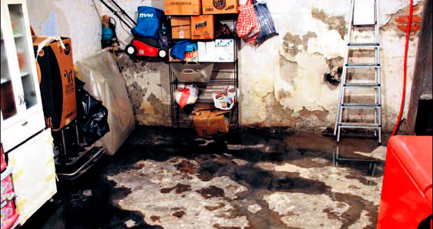 Çankaya'da evleri lağım suyu bastı