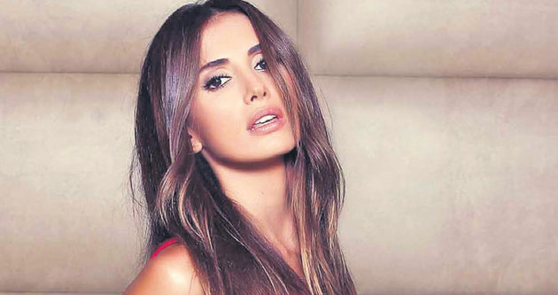 Emina Sandal'ın albüm sevinci