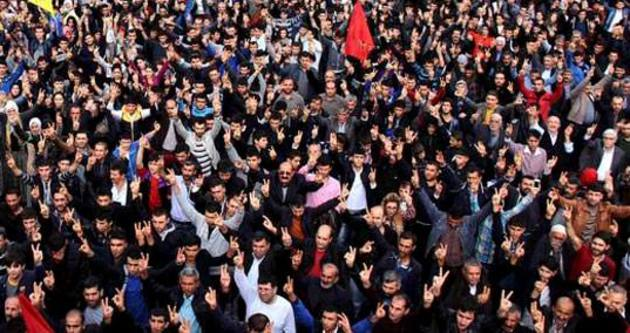 Kobani yürüyüşü 2 saat sürdü