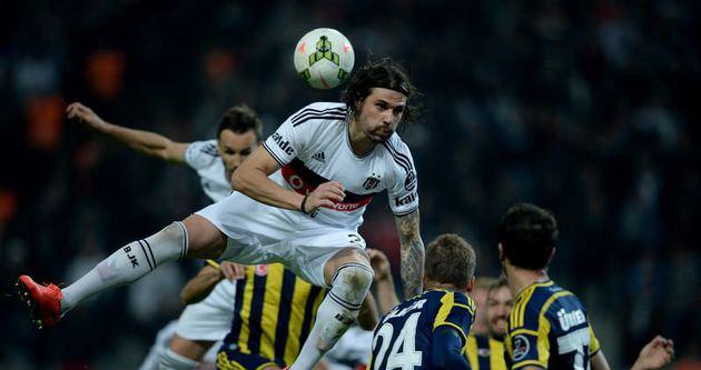 Usta yazarlar Beşiktaş - Fenerbahçe maçını yorumladı