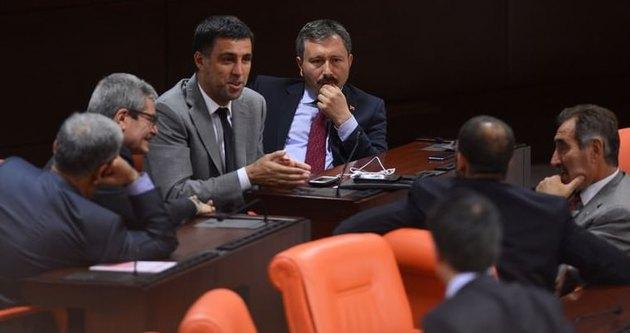 Hakan Şükür yeni partisini seçti