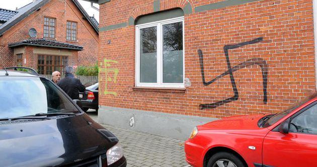 Danimarka'da camiye ırkçı saldırı