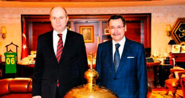 Vali Mehmet Kılıçlar'dan Melih Gökçek'e ziyaret