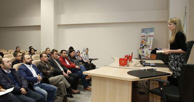 Eğitimcilere atık pil semineri
