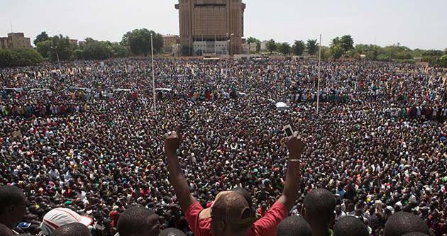 Burkina Faso'da seçimler 2015'te