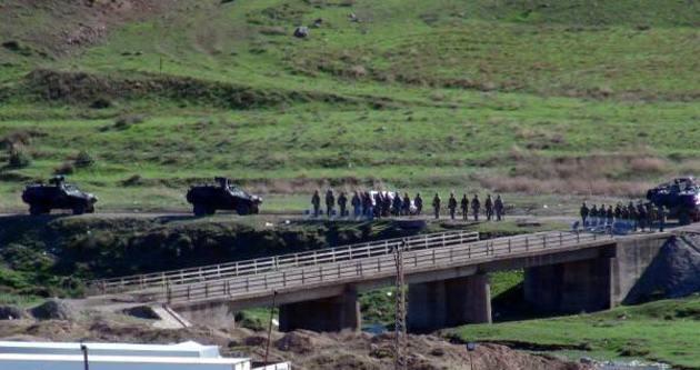 Sınırda askeri hareketlilik