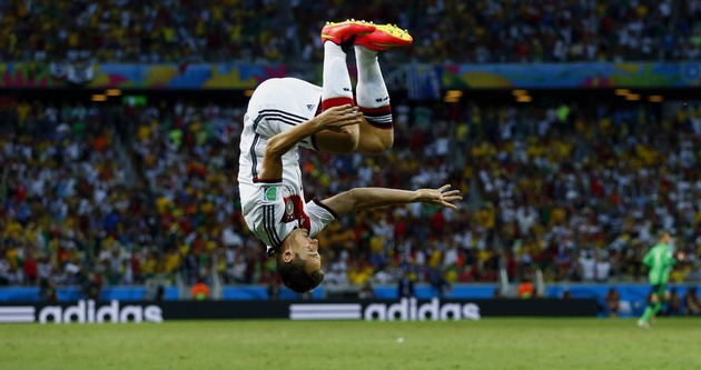 FIFA'dan 'takla' yasağı!
