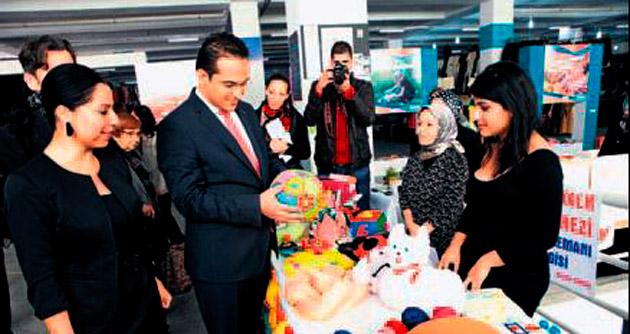 Hasta bebekler için kermes düzenlediler