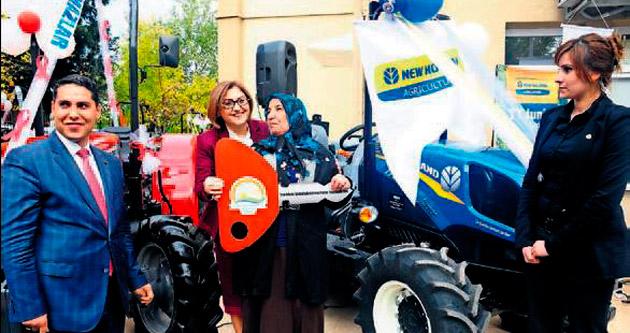 Gaziantepli çiftçiler traktörlerine kavuştu