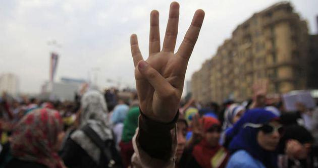 Mısır'da iki öğrenci öldü