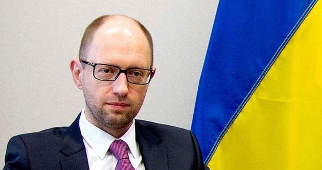 Ukrayna'da seçimleri Halk Cephesi partisi kazandı