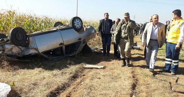 Düğün yolunda kaza: 2 ölü