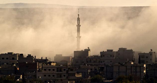 Kobani'de şiddetli bombardıman