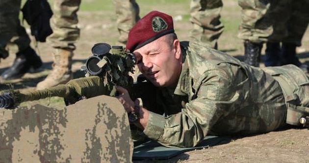 Bordo berelilerin komutanı cephede