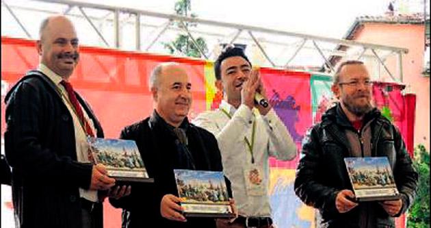 YDÜ'nün hocaları Uşak festivalinde