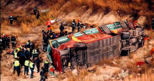 İspanya'da otobüs faciası: 14 ölü