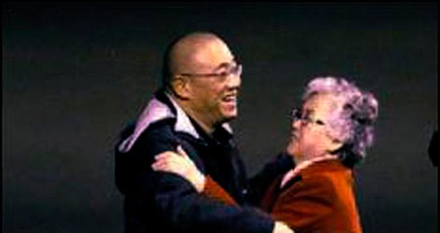 ABD'li mahkumlar Kore'den döndü