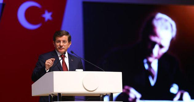 Başbakan Ahmet Davutoğlu Atatürk'ü anma töreninde konuştu